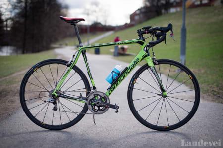 GAMMEL TRAVER: Slik har jeg satt opp årets sykkel, en Cannondale Synapse.