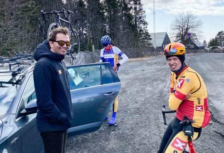 Andreas Leknessund forsøker å sette kom i Tryvann