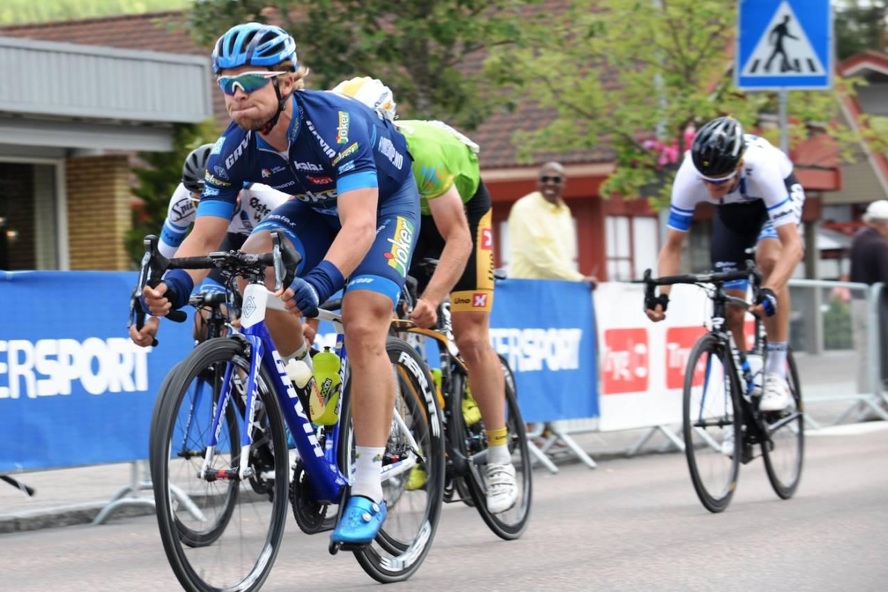 FØRSTEMANN: Adrian Aas Stien tok seieren på finaleetappen i Tour de Hallingdal. Foto: Kent Murdoch