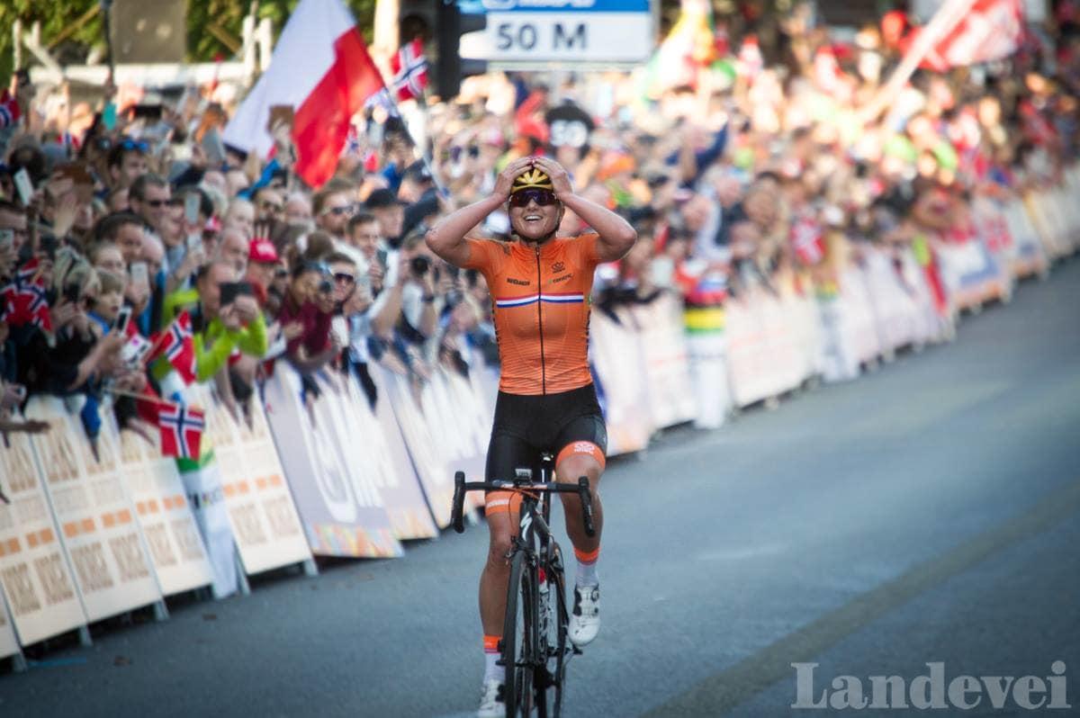 TIMING: Chantel Blaak gikk til på helt riktig tidspunkt og tok VM-tittelen i Bergen. Foto: Henrik Alpers