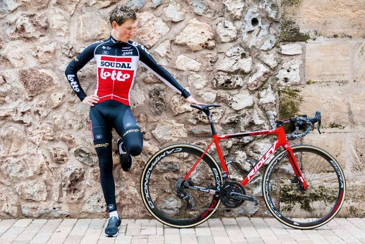 LITT TYNGRE: Carl Fredrik Hagen får en tyngre sykkel i 2020 enn da han herjet i vueltaen, men har planen klar for å spare vekt.
