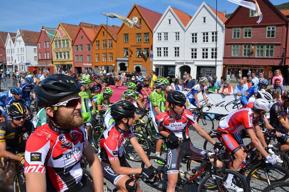 FÅR PENGER: Tormod Hausken og resten av gutta i Coop-ØsterHus får mer penger å rutte med i 2015. Foto: Tour des Fjords.