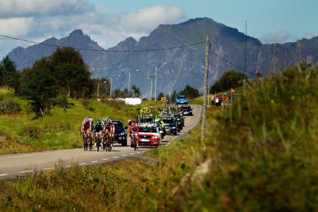 HÅPEFULL: Sven-Erik Bystrøm snur seg etter lagbilen. Bruddet holdt ikke inn heller på lørdagens etappe.