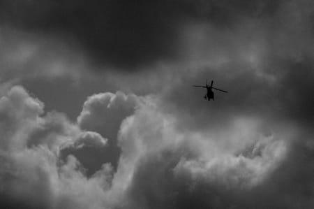DYNAMISK: «Det er fest i helvete» sier de i Belgia når det er både regn og sol på en gang. Slike forhold var det tidvis under dagens etappe.