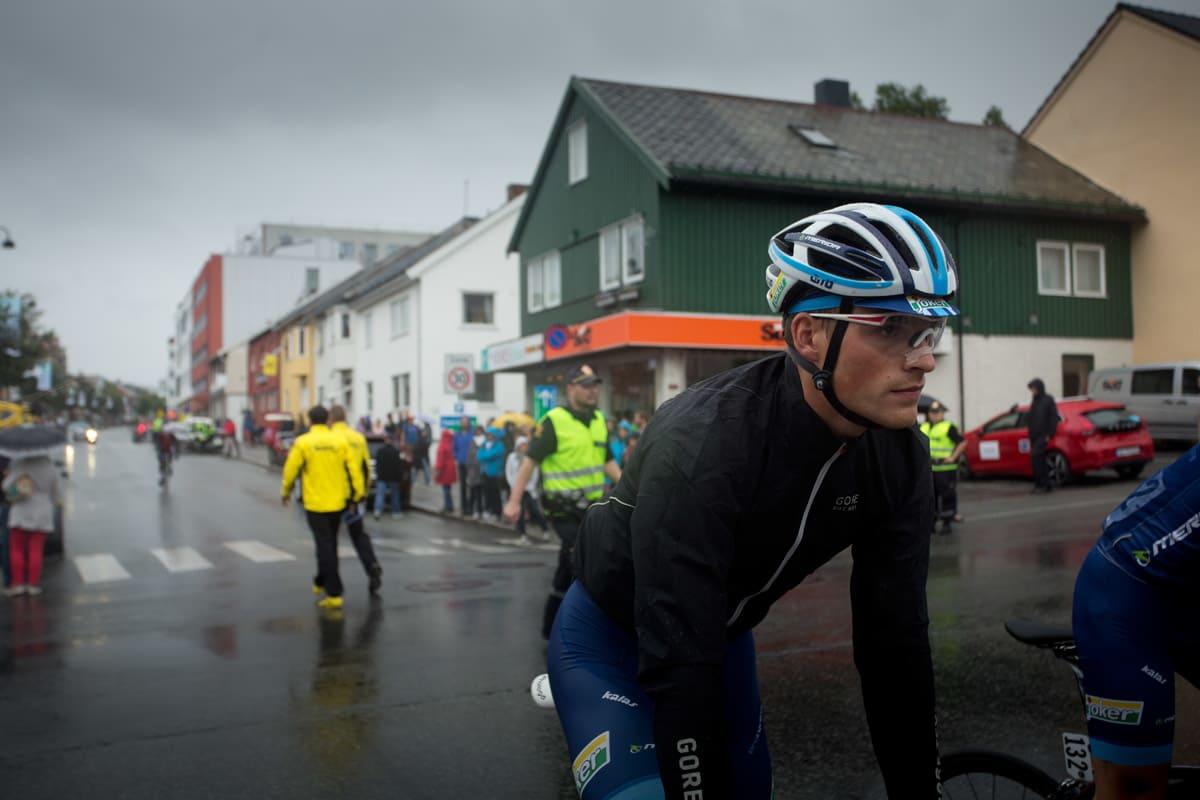 VÅKEN: Christer Jensen fra Joker Merida før start på gårsdagens etappe.