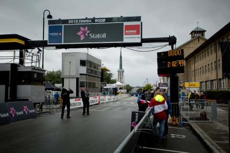 INGEN BUSS: Orica-GreenEdge stiller ikke i årets Arctic Race of Norway, men arrangøren ville være på den sikre siden, og justerte målramma litt før start.