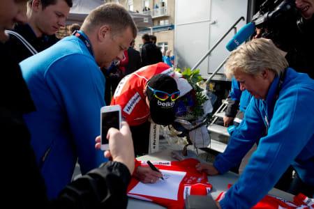 GRRRRR: Lars Petter Nordhaug fikk fortjent trøya for mest aggresive rytter, etter sitt bruddforsøk med lagkamerat Avermaet og Marco Haller fra Katusha.