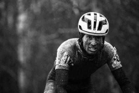 ISKALDT: Kristian Oftedal var en av rytterne som så ut som han hadde mistet det fullstendig i kulda.