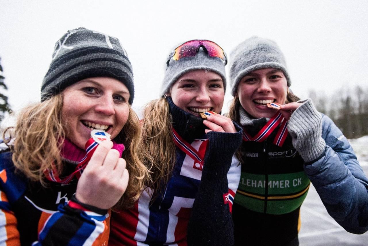 TOPP TRE KVINNER: F.v: Elisabeth Sveum, Mie Bjørndal Ottestad og Sigrid Andrea Fløgstad.