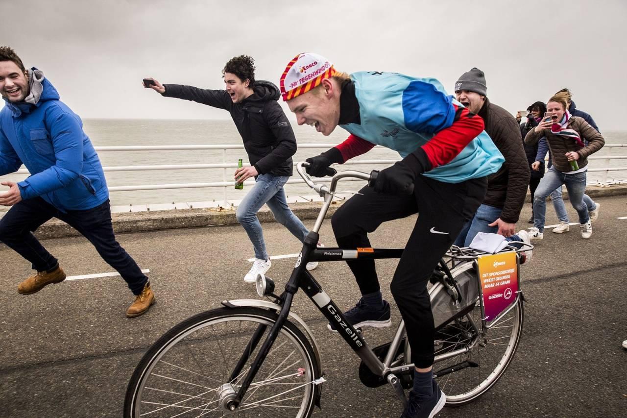 FOR MYE MOTVIND: Og da ble det nederlandske motvindsmesterskapet avlyst. Foto: NK Tegenwinfietsen.