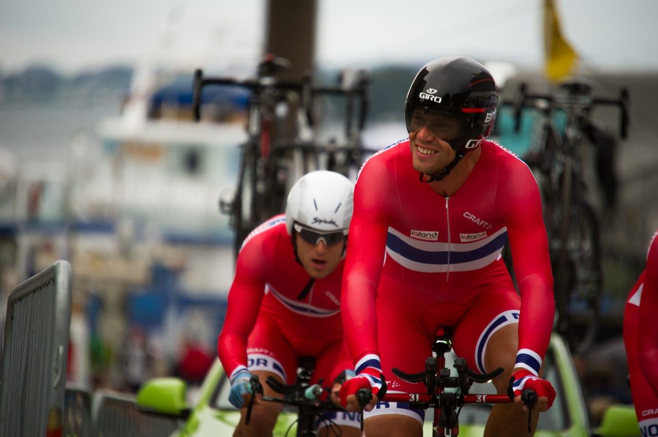 KOSTE SEG: Hushovds norske landslag bestående av amatører hadde liten sjanse på dagens etappe. Hushovd så ikke ut til å slite seg helt ut underveis.
