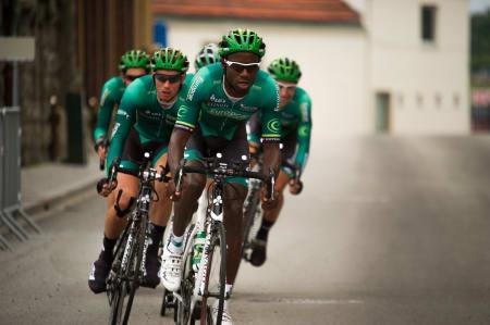 SPAREBLUSS: Team Europcar hadde ikke tatt med seg temposyklene til Norge, og nøyde seg med tempobøyle og vanlige hjul. Det holdt til 13. plass.
