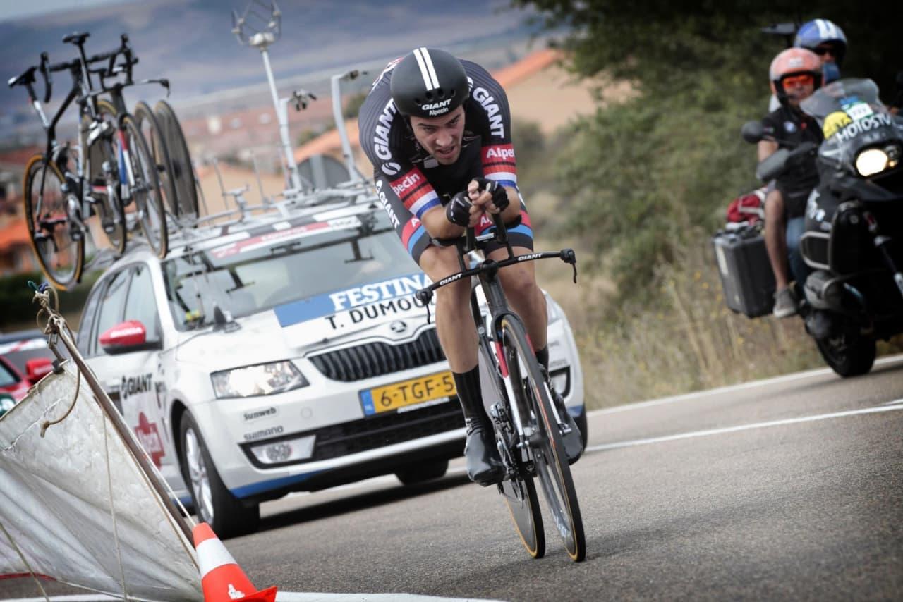 DAGENS MANN: Tom Dumoulin stakk av med både etappeseier og ledertrøye etter en imponerende tempoetappe. Foto: Cor Vos.