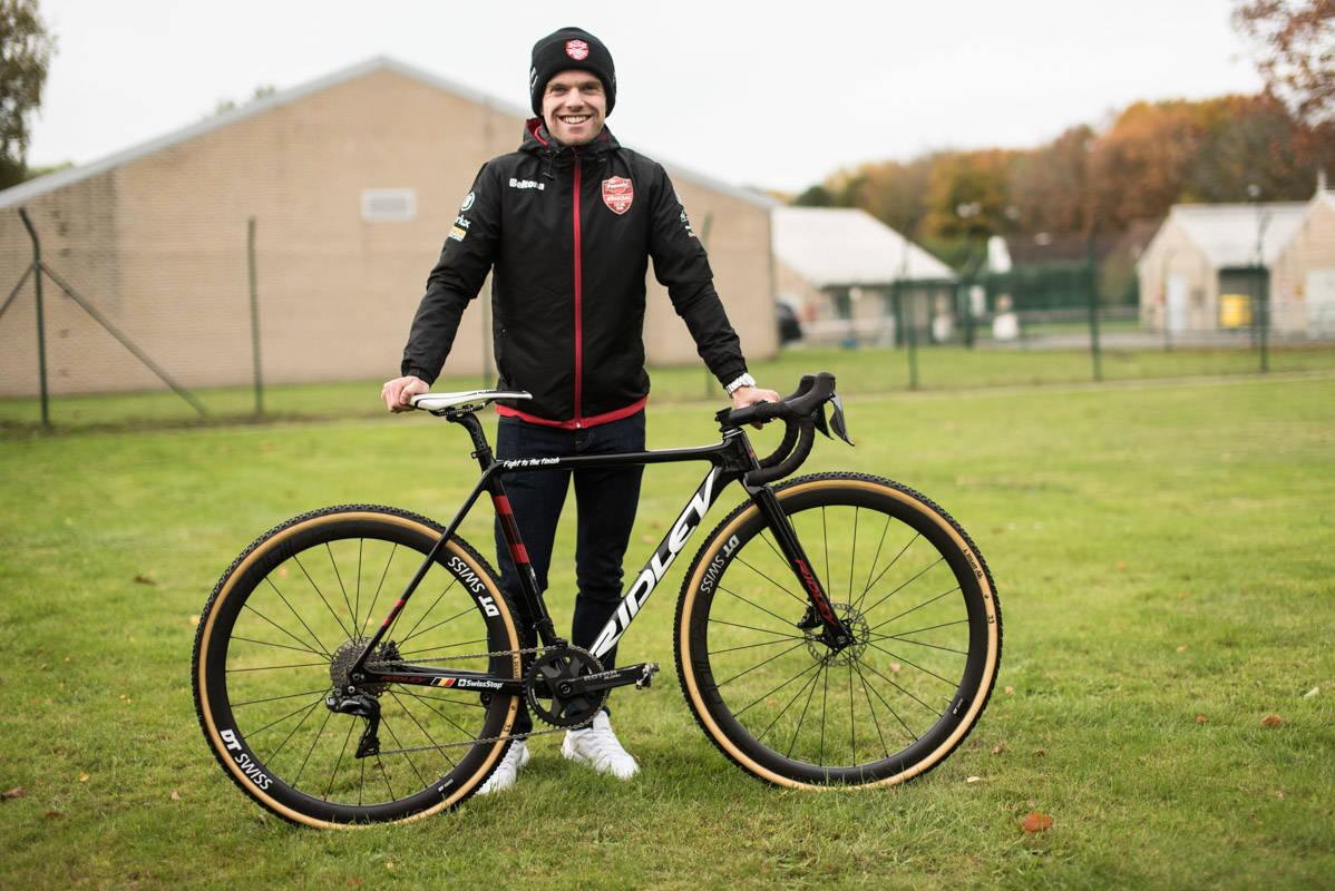 DEN NYE STJERNA: Eli Iserbyt er verdensmester i både junior og U23, nå herjer han i seniorklassen i cyclocross.