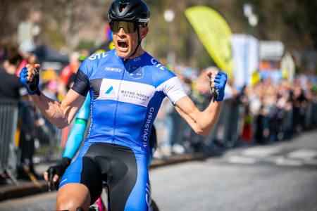 HENGER HØYT: For Per Eskeland er seieren på Bånn Gass en av de gjeveste på sesongen. Foto: May Elin Aunli