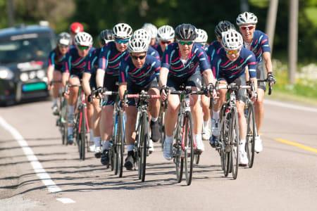 SAMKJØRING: Ladies Edition Race Team vant dameklassen i Lillehammer-Oslo med knusende margin, men har mer å gå på. Foto: Helge Langen