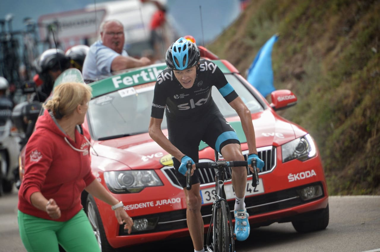 TOK INNPÅ CONTADOR: Chris Froome viser god form om dagen, kan han stjele den røde trøya fra Contador på de siste tre etappene? Foto: Cor Vos.