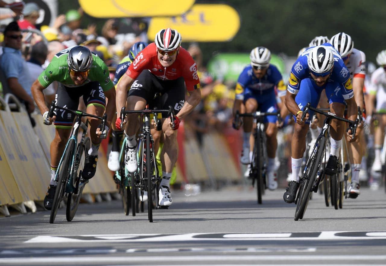 TO AV TRE: Fernando Gaviria noterte seg for sin andre etappeseier i Sarzeau. Foto: Cor Vos.