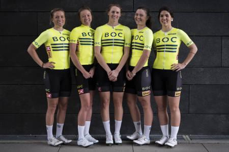 STIL: Jenten i BOC Elite skal synes, både på veien og på resultatlistene. Fra venstre: Kirsti Ruud, Christina Holth, Kristin Bærland, Line Gulliksen og Mari Skybak. Foto: Arjan Boldingh