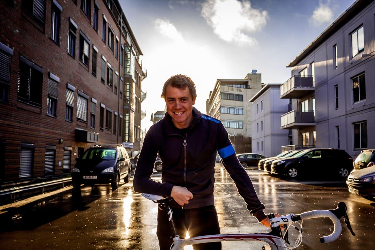Edvald skinner om kapp med sola etter å ha hentet en Pinarello FCX