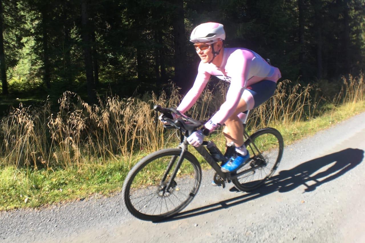 TESTPANEL: Christian Haug var en av to ryttere som syklet Grenserittet med bukkestyre i år. Det ga mersmak. Foto: Lars Blesvik