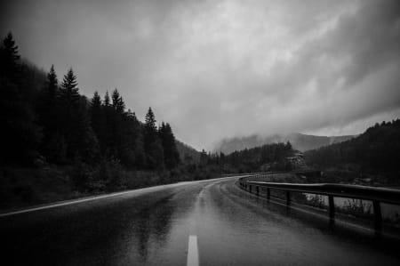 STORSLÅTT: Noen av veiene som ble benyttet var desto finere i regnet.