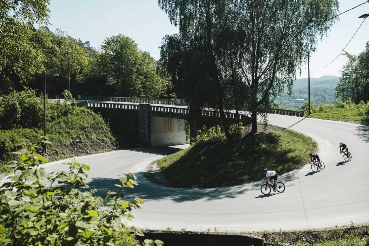 Snurrert: Den severdige korketrekkeren ved Langangen er populær blant syklister, både tilreisende og lokale.