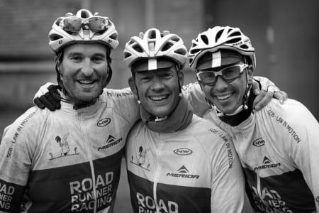 ETTER: RR Racing etter de kom i mål. Sistemann slet med knokkelfrost da bildet ble tatt. Foto: Pål Laukli