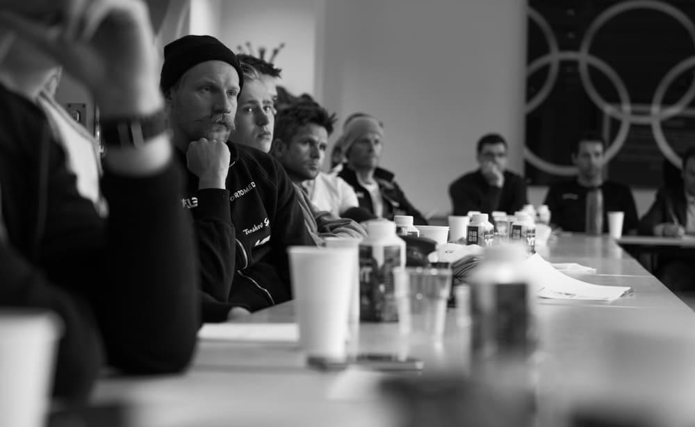 LÆREVILLIGE: Gutta på Team YT-Torshov Sport fulgte nøye med på foredraget hos Olympiatoppen.