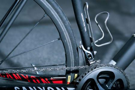 STOR PLASS: På Canyons SLX er det god plass til fetere dekk. Her kan du ha helt opp til 28mm feite hjul under Paris-Roubaix.