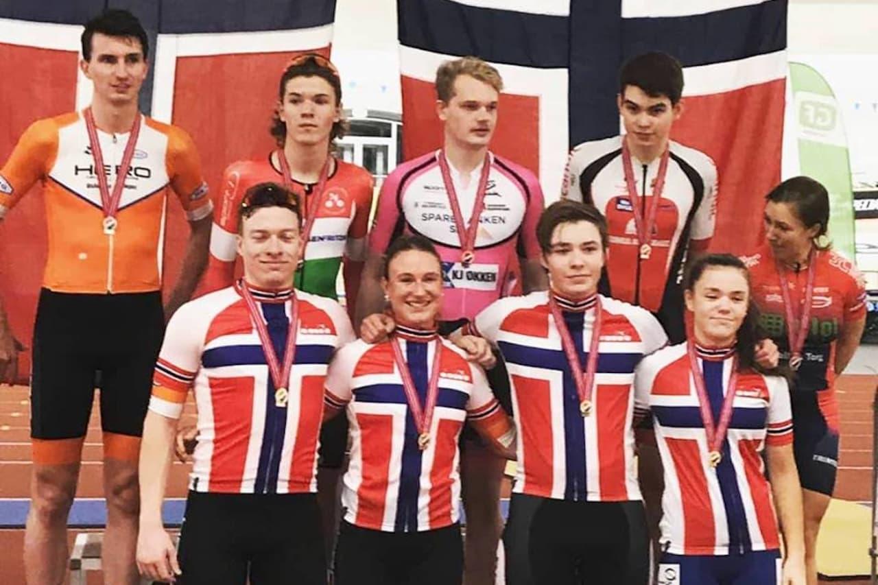BESTE KLUBB: Anita Yvonne Stenberg tok alle medaljene i kvinner senior under bane-NM i helga, mens Aasmund Groven Lindtveit (foran til venstre) tok to gull, ett sølv og en bronse, og Sindre Bjerkestrand Haugsvær (bak til venstre) tok seks sølv og en bronse. Foto: IK Hero