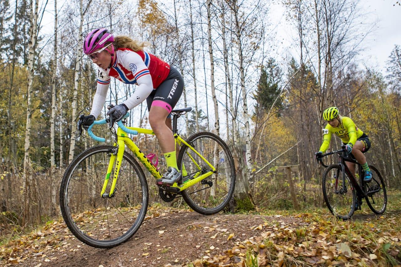 TETT: Elisabeth Sveum vant fjerde runde i kross-Norgescupen med knapp margin. Foto: Pål Westgaard