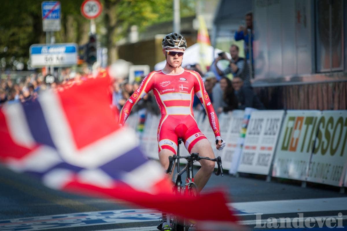 KEISER JULIUS: Danskene liker tydligvis løypene i Bergen, og Julius Johansen sørget for nok et dansk VM-gull. Foto: Henrik Alpers