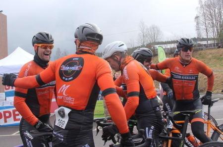 Stor glede i Team Kjekkas da seieren var et faktum. Foto: Ingeborg Scheve