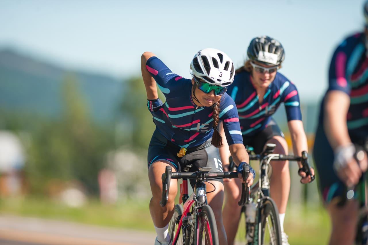 LYKKES: Med Ladies Edition har Caroline Vamnes skapt et sykkelmiljø for jenter uansett ambisjonsnivå. Her er LE Race Team under Styrkeprøven 2017. Foto: Helge Langen