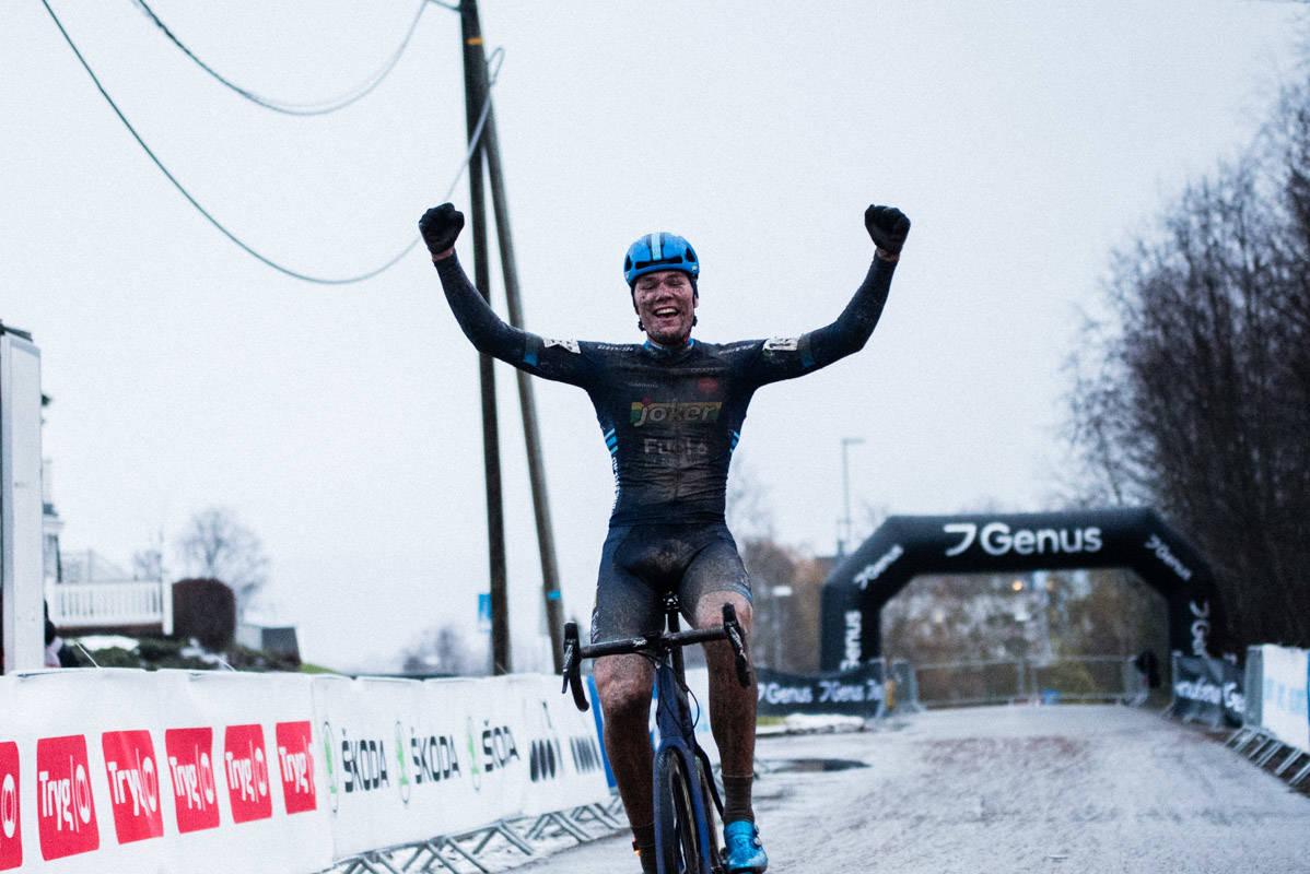OVERLEGEN: Søren Wærenskjold knuste konkurrentene under NM i cyclocross i Spikkestad.