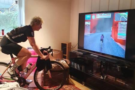 Bente Ljungren syklet Watt vs Cancer til inntekt for Kreftforeningen
