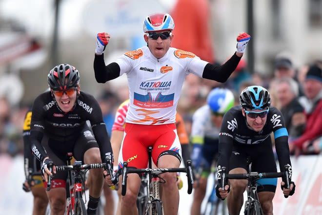 OVERLEGEN: Alexander Kristoff noterte seg for tre etappeseiere og sammenlagtseier i De Panne. Foto: Cor Vos.
