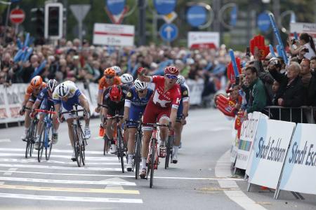 TILBAKE PÅ TOPP: Alexander Kristoff tok en flott seier i dagens Rund um den Finanzplatz Eschborn-Frankfurt. Foto: Cor Vos.
