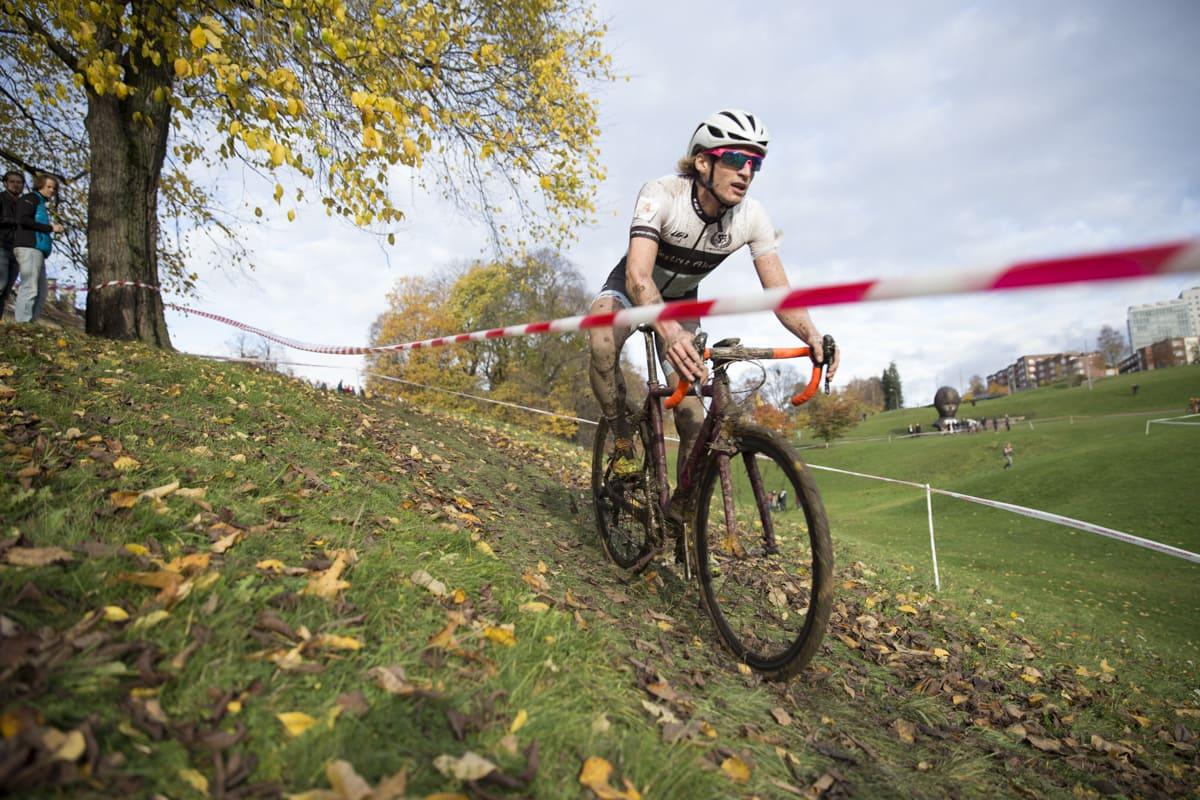 KLATREKONGE: Kristian Oftedal fra VAV hang lenge med i teten, men god stil hjalp ikke nok da de beste tråkket til. Foto: Hans Petter Hval.