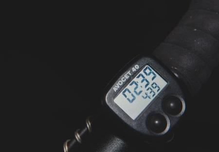 TIDLIG UTE: Avocet anno 1994, en sykkelcomputer med både to tekstlinjer og kadensmåling.