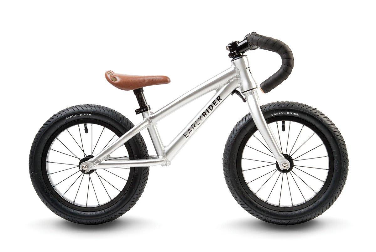 BUKKELØP: Pass på så du ikke kjøper løpesykkel med flatt styre, før du vet ordet av det er avkommet terrengsyklist.