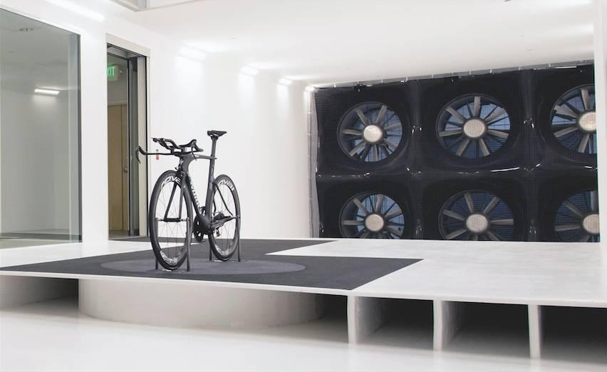 PÅKOSTET: Specialized har investert i egen vindtunnel, men har prosjektet noe for seg for deg og meg? Foto: Specialized.