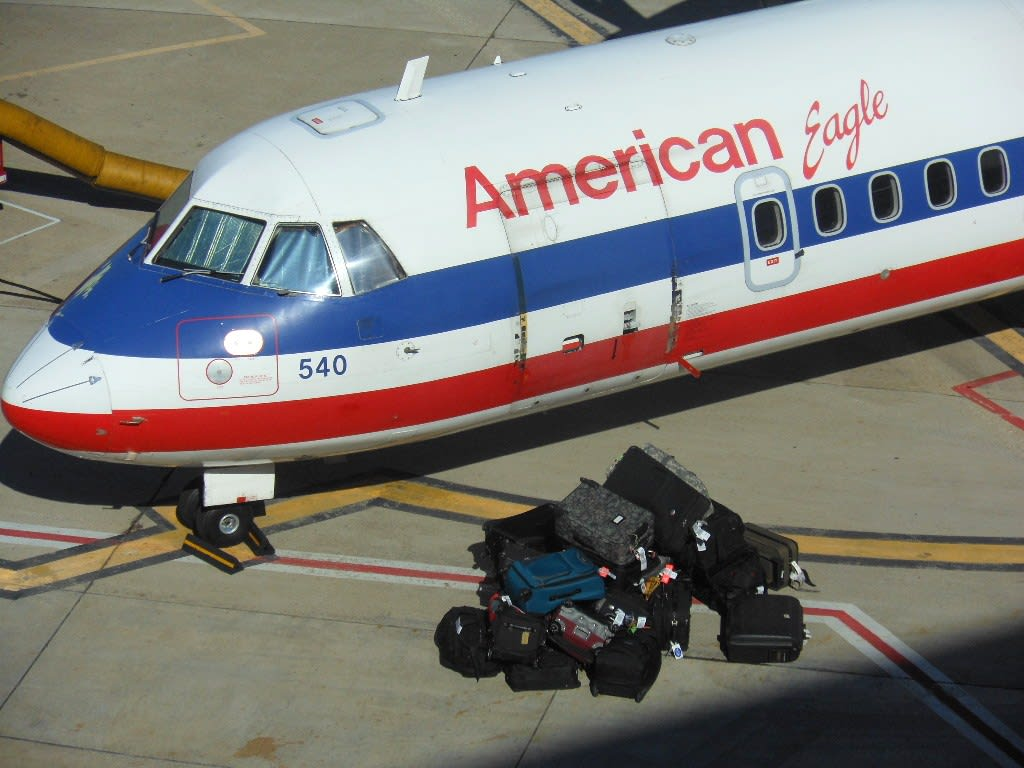 INGEN SILKEHANSKER: Amerikanerne har rykte på seg for røff bagasjebehandling. Foto: Michael Coghlan
