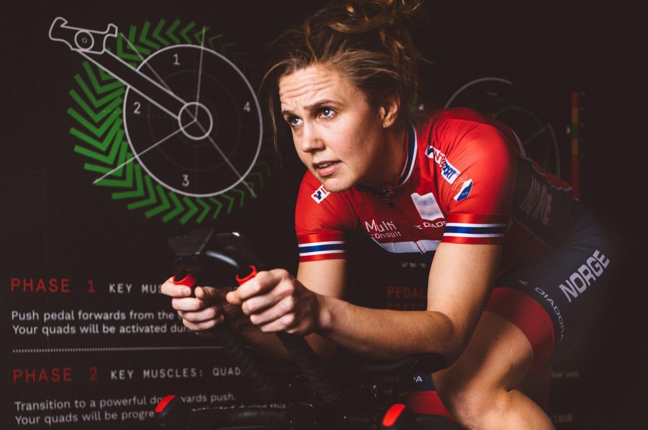 AMBASSADØR: Landslagsrytteren Ingrid Moe, som vant Norgescupen 2018 i både landevei og kross og er regjerende norgesmester på lagtempo for Bergen CK, utfordrer flere av landets raskeste sykkeljenter til wattmesterskap i sykkelrommet på Vulkan på onsdag. Foto: Scandic Vulkan