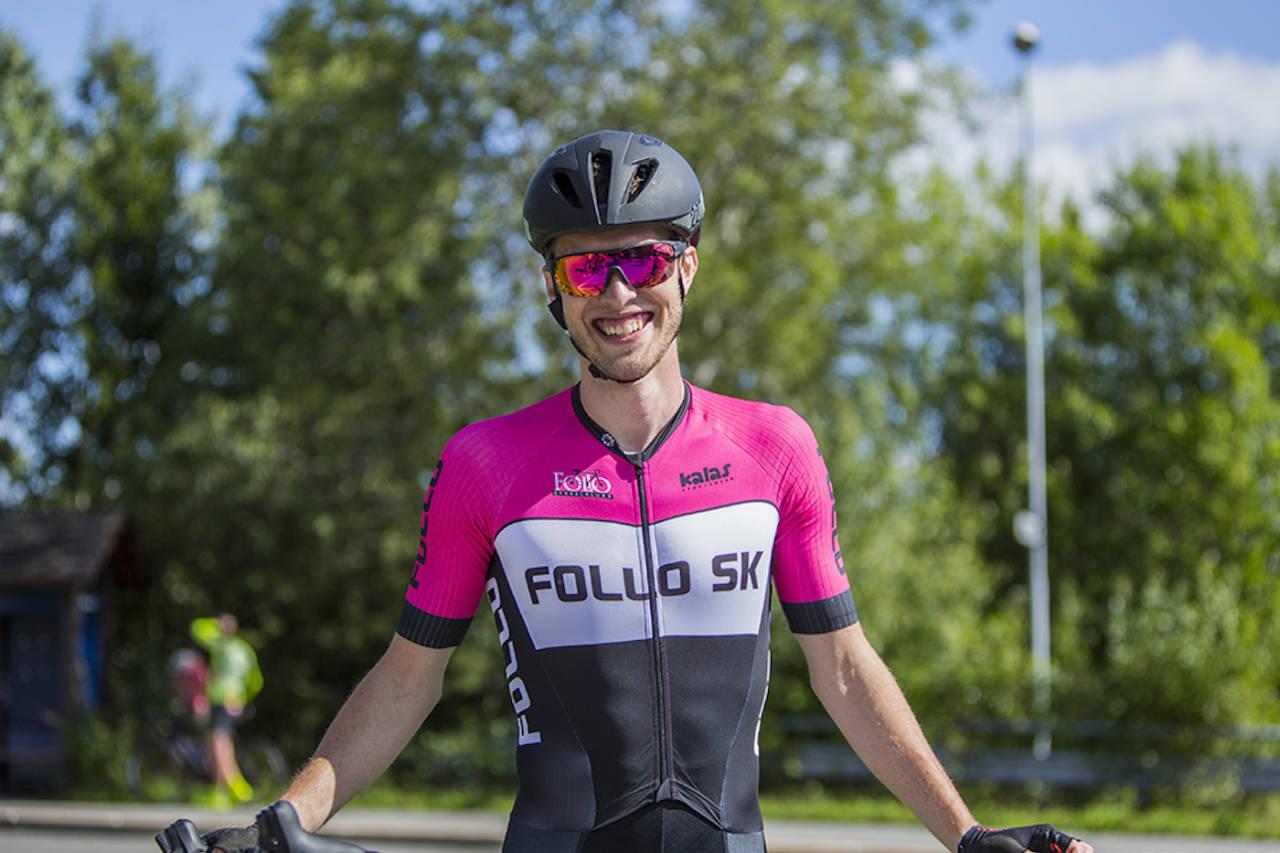 OVERRASKET: Johan Noraker Nossum holdt unna for hovedfeltet og vant Øyeren Rundt. Foto: Pål Westgaard