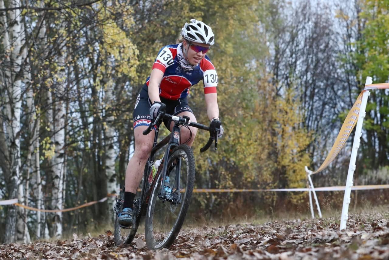 DOBBELTSEIER: Marit Sveen tok sin andre seier på to dager med dagens suksess i Mjøskross. Foto: Ola Morken