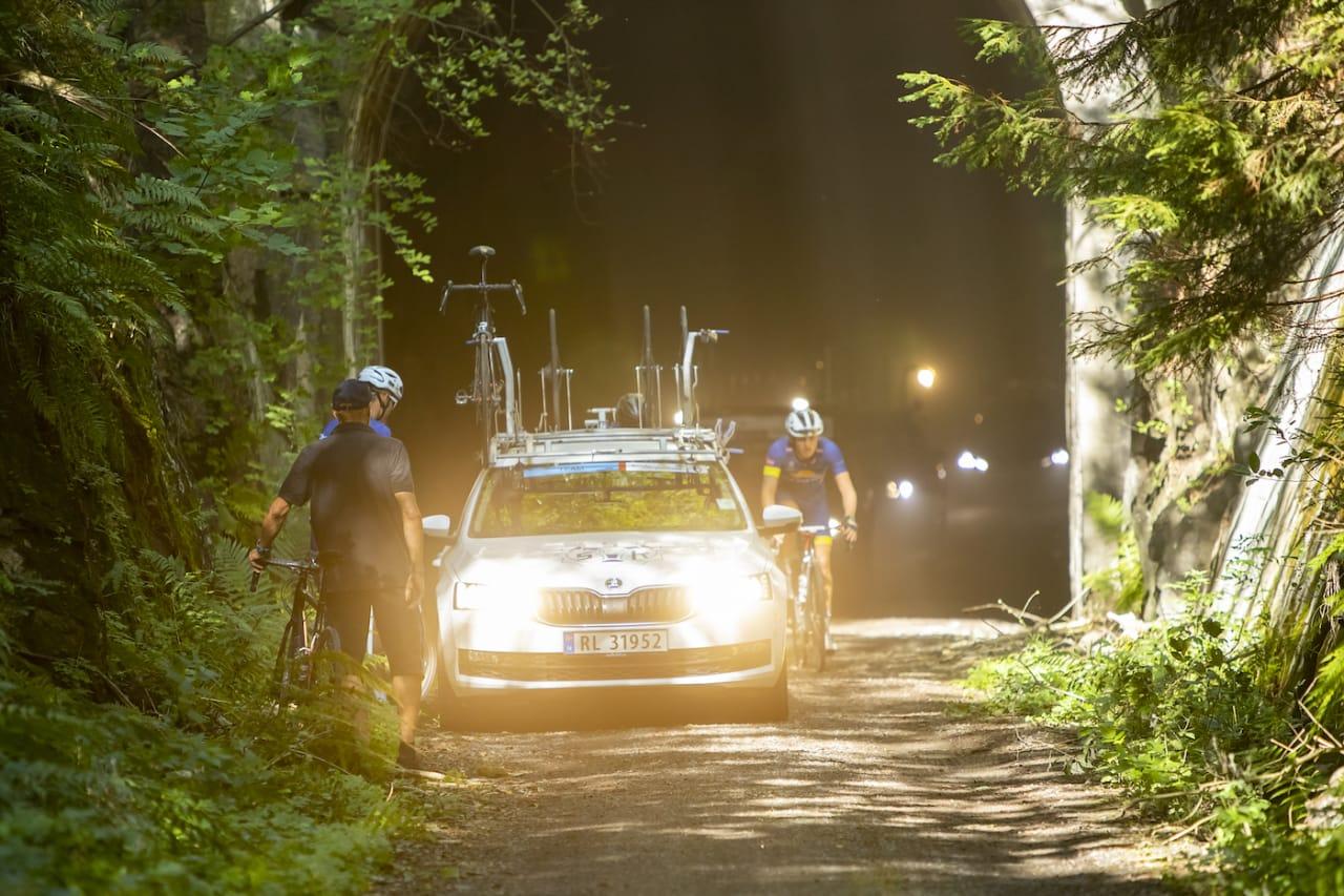 UFORSVARLIG: Spikkestadrunden måtte avlyses etter en runde på grunn av urforsvarlige trafikkforhold. Foto: Pål Westgaard