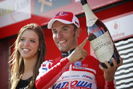 TILBAKE I RØDT: Joaquim Rodriguez har aldri vunnet et treukersritt, kan han endelig klare det i årets Vuelta? Foto: Cor Vos.