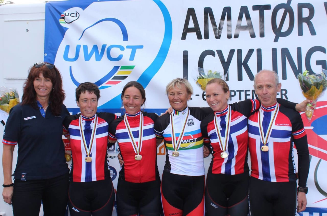 Medaljevinnere fellesstart Masters-VM i Danmark: Fra venstre Heidi Jørgensen Krokdal fraNCF, Camilla Hott (bronse K45-49), Kristin Falck (sølv K45-49), Sissel Vien (gull K55-59), Elisabeth Solberg (sølv K35-39) og Jan Bodin (bronse M55-59). Foto: Privat